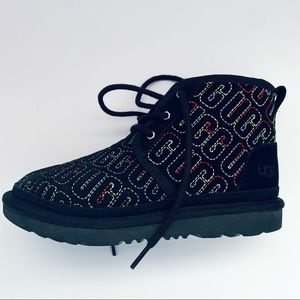 UGG KIDS Graphic Stitched Chukka Boots Suede Black